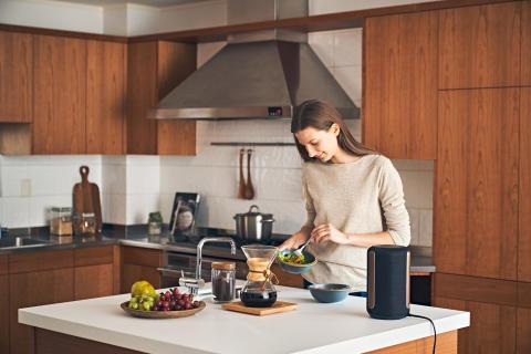 Con i nuovi speaker wireless  SRS-RA5000 e SRS-RA3000 di Sony, la tua casa cambia musica