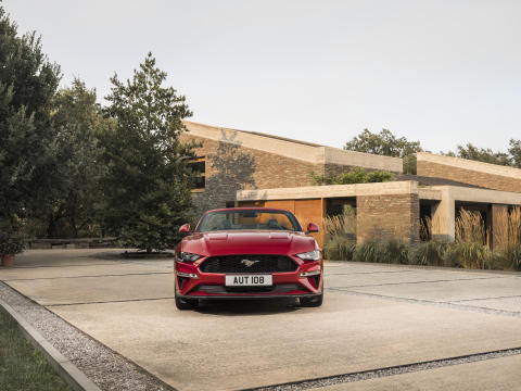 FORD MUSTANG 2017 (10)