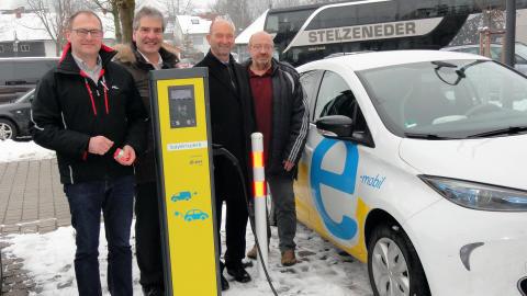 Einweihung der E-Ladesäule in Arnstorf