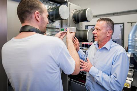 Chirurgisches Nahtmaterial aus nachwachsenden Rohstoffen - Projektkonsortium forscht an der Bio-Faser der Zukunft