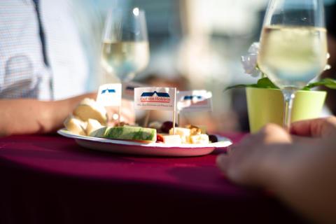 """""""Käse trifft Wein"""" – gewohnter Genuss an neuer Stelle"""