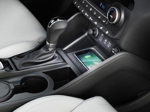 New Hyundai Tucson Wireless Charging