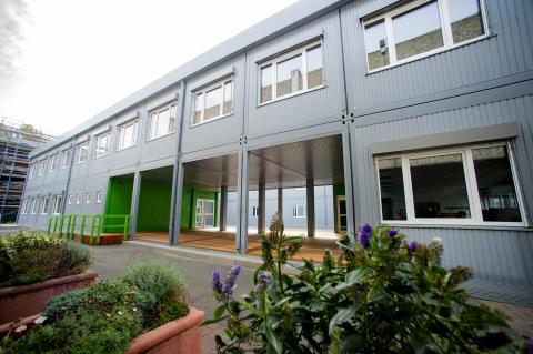 Modulares Schulgebäude