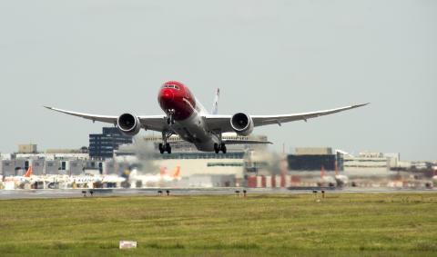 Første flygning mellom London Gatwick og Orlando er i luften