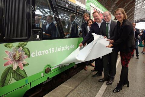 Enthüllung des CLARA19-Motivs auf dem Triebwagen des RegioShuttles VT 314 der Erfurter Bahn