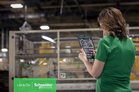 Maailman talousfoorumi on myöntänyt Schneider Electricin Batamin älytehtaalle Fourth Industrial Revolution Lighthouse -tunnustuksen