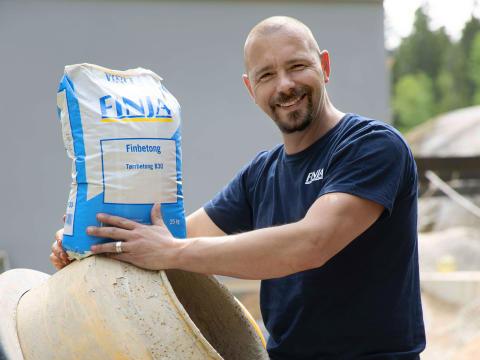 Björn bygger bo Plastsäck 1