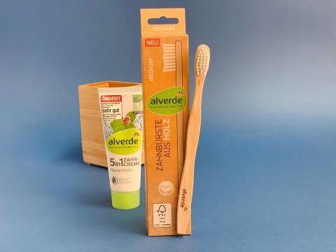 Jetzt neu bei dm: die Holzzahnbürste von alverde - plastikfrei der Umwelt zuliebe