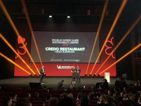 Michelinstjernedryss med norske skalldyr som hovedingrediens
