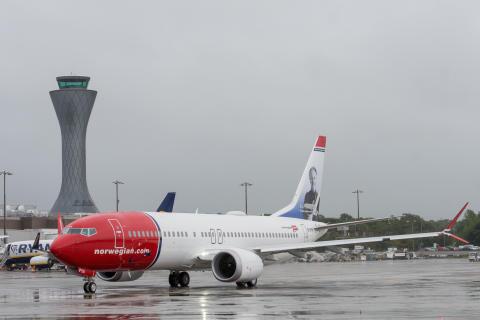 Norwegian 737 MAX - Sir Freddie Laker at Edinburgh