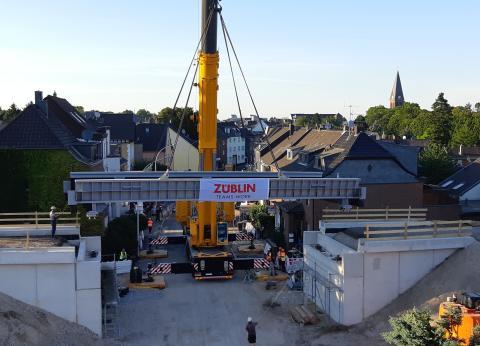 ZÜBLIN Stahlbau ersetzt rd. 80 Jahre alte Eisenbahnüberführung in Frechen