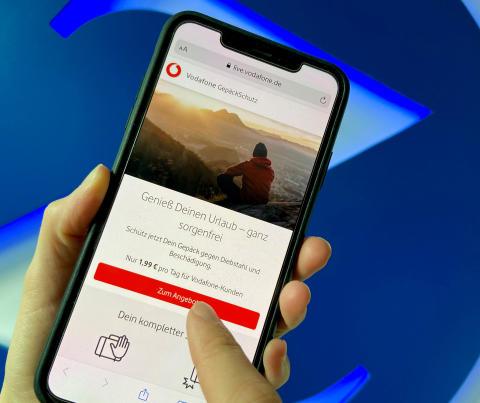 Gut unterwegs: Vodafone und Zurich vereinbaren Partnerschaft und entwickeln exklusiv eine digitale Reisegepäckversicherung
