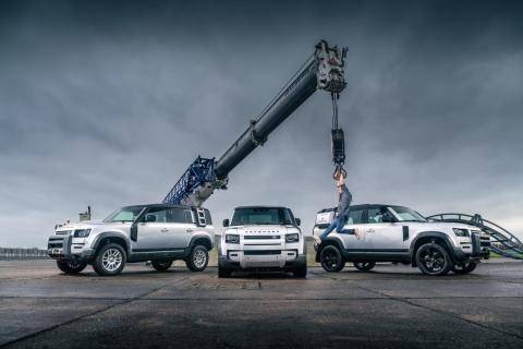 Land Rover Defender er Top Gear's Car of The Year