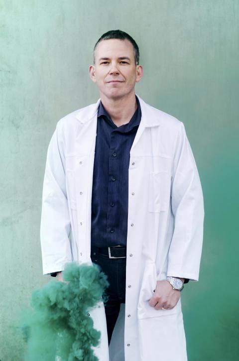 Kemiprofessor Ulf Ellervik i UR:s Grym kemi