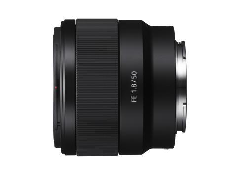 Η Sony ενισχύει τη σειρά FE full-frame φακών (E-Mount) με το λανσάρισμα δύο νέων φακών, το νέο 70-300mm υψηλής ανάλυσης zoom και τον σταθερό φακό 50mm F1.8