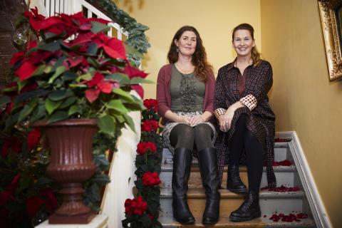 Erika Wallin och Malin Hidesäter, projektledare för Blomsterfrämjandet och Stars for Europe-kampanjen i Sverige