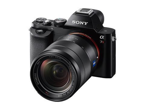 Sony α7R: najmniejszy i najlżejszy na świecie aparat pełnoklatkowy z wymiennymi obiektywami [i]