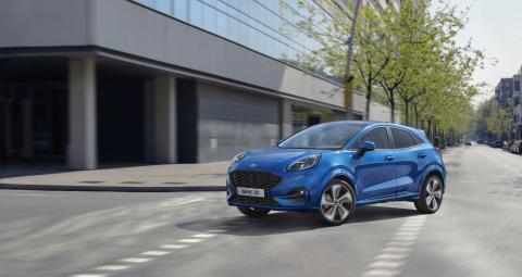 Nový crossover Ford Puma nabízí atraktivní design, nejlepší zavazadlový prostor ve své třídě a úsporný hybridní pohon