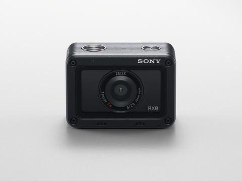 Sony lanza la RX0 una cámara ultracompacta, robusta y resistente al agua. Una cámara para  capturar fotos de alta calidad donde otras cámaras no se atreven a llegar