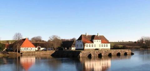 Søbygaard åbner for sæsonen med fernisering på 2 nye udstillinger.