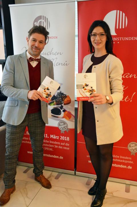 Clemens Lutz (Geschäftsführer der Kochsternstunden) und Daniela Undeutsch (Sächsische Weinkönigin) stellen die Kochsternstunden vor