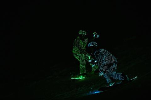 BUCK_LED_Snowboarders13