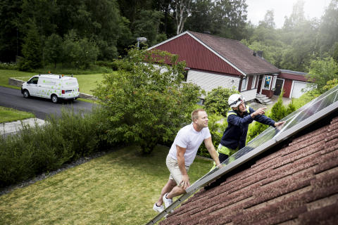 Nu installeras solceller som aldrig förr – Linde energi följer Sverige-trenden