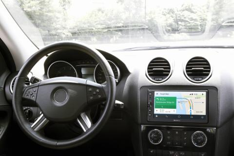 7_Navigation_with_Android_Auto-Large