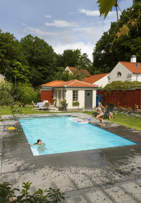 AR Pool 2