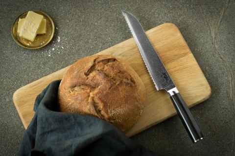 Knives_EGO-VG10_Bread-Knife-EVG20BK_w_bread_landscape
