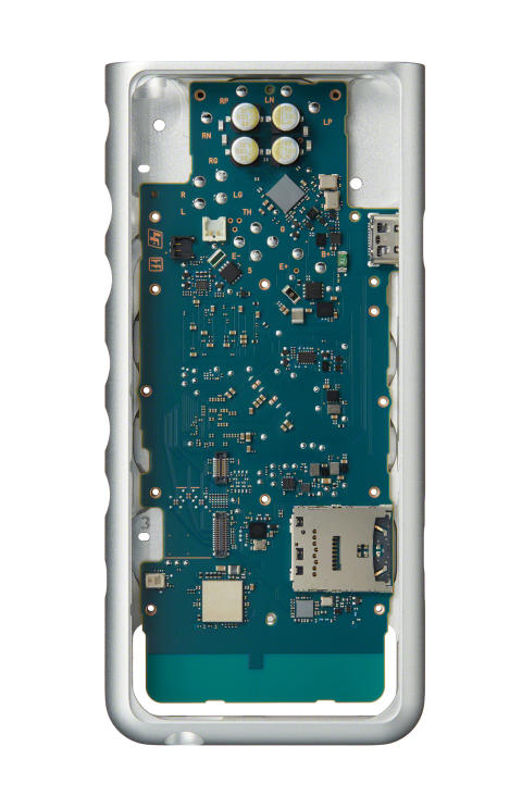 Sony_NW-ZX500_CircuitBoard_inChassis