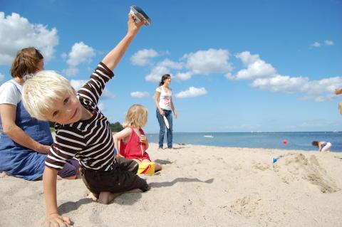 Kind am Falkensteiner Strand