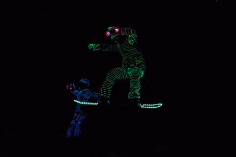 BUCK_LED_Snowboarders10