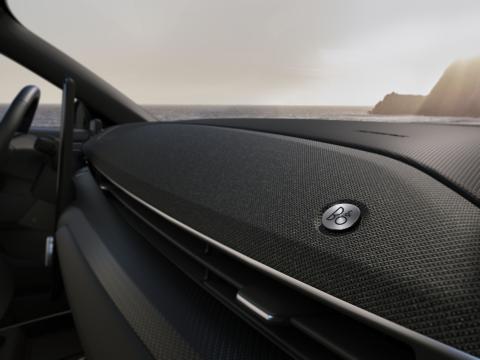 Nye Mustang Mach-E med prisbelønt og unikt designlydanlegg