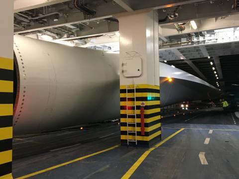 Scandlines-færge transporterede gigantisk vindmøllevinge