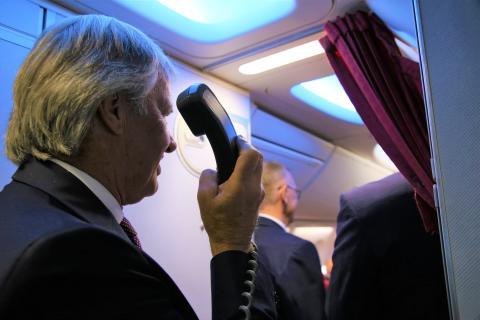 Bjørn Kjos ønsker passasjer om bord under selskapets 15 års jubileum