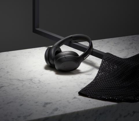 L'élégant nouvel assortiment de casques Sony h.ear se décline dans cinq couleurs tendance