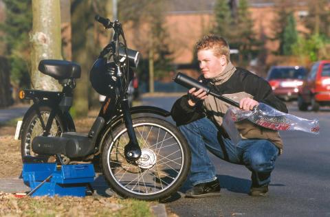 """Wer sein Zweirad """"frisiert"""", riskiert Versicherungsschutz"""