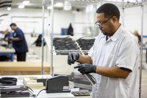 Bilfläktar blir respiratorer när Ford samarbetar med 3M, GE Healthcare och UAW