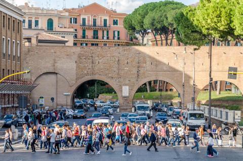 Pedestrians crossing traffic in Rome - Editorial credit- Volodymyr Nik _ Shutterstock.com