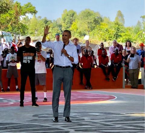 Barack Obama in Kenia - Eppli überbringt Gruß des Landesbischofs