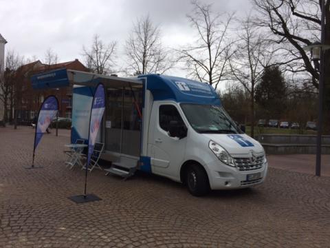 Beratungsmobil der Unabhängigen Patientenberatung kommt am 28. Juni nach Uelzen.