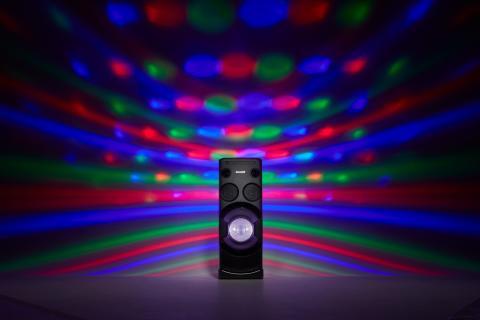 Sony_MHC-V50D_Lifestyle_02