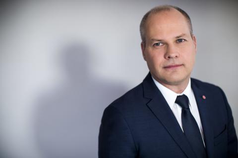 Justitie- och migrationsministern diskuterar asylpolitik i Hässleholm