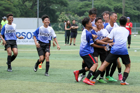 Youth Footballers Win a 3-day Football Camp with Valencia CF Soccer School in Singapore as Under 15 Champion of the Inaugural Epson Singapore Cup