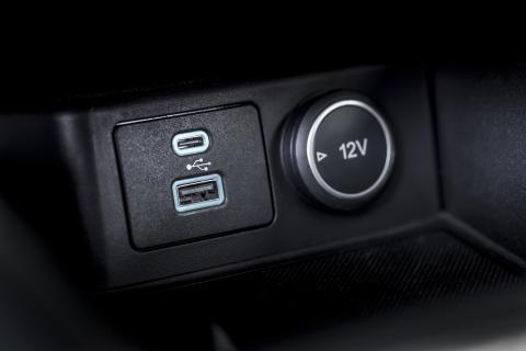 Ford EcoBlue Hybrid 2020