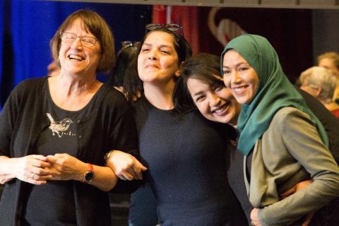 Tysta hjältinnor från Biskopsgården deltar i internationellt Communitydansprojekt