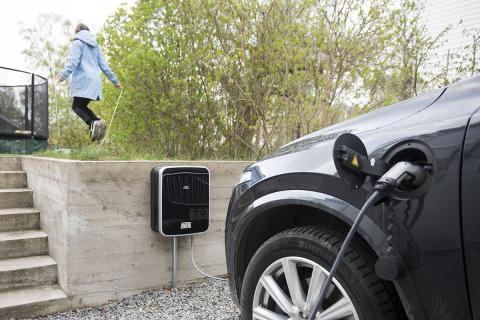 Ytterligare 200 bilåterförsäljare väljer DEFAs Installerat & Klart