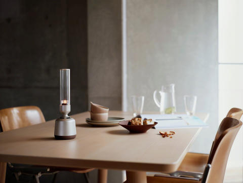 Sony introduceert stijlvolle Glass Sound Speaker met Hi-Res audio
