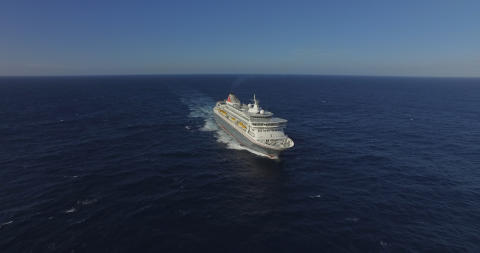 Fred. Olsen Cruise Lines celebrates year of award-winning Virtual Cruising as it looks ahead to a return to sailing this summer